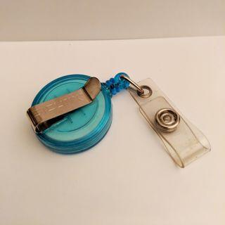 Blue Retractable Keychain/Badge Extender