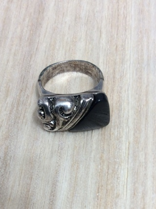 *SIZE 7*WOMEN'S HAND-HAMMERED & METALWORK OBSIDIAN RING*SIZE 7*