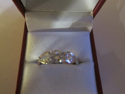 GORGEOUS!! SPARKLING 14KGF ENGAGEMENT RING!! size 10