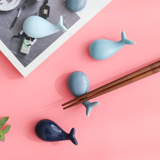 2Pcs Lucky Whale Ceramic Chopsticks Holder