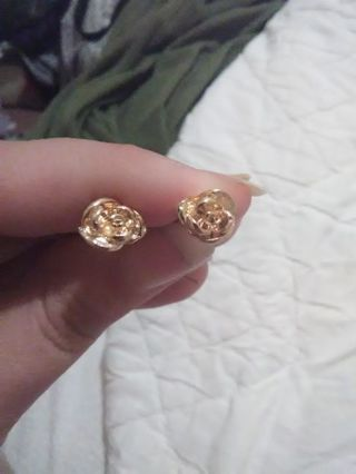Fake gold rose earings