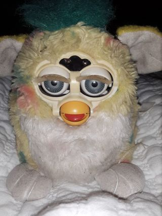 Rare Antique Furby from 1999 works great!!!