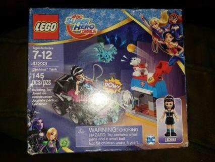 New! Super hero girls lashina tank Lego set