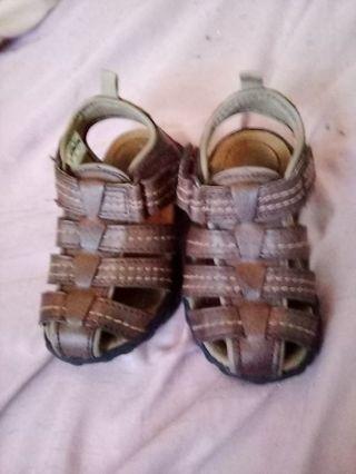 Boys Carter's sandals size 5