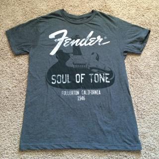 Official License FENDER Guitar Medium Gray Shirt NWOT