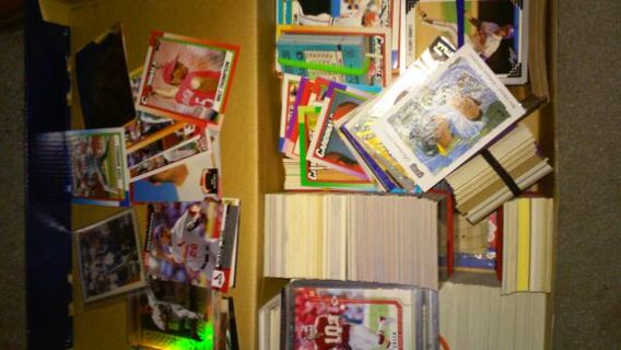 5 random Tops baseball cards. You pick the team!!! READ ALL!!!!!!