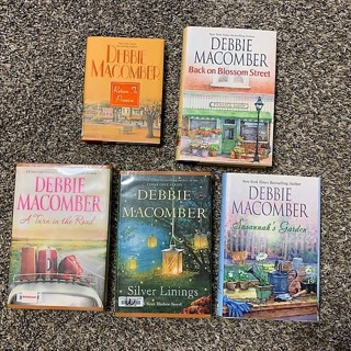 Lot of 5 *Five* Debbie Macomber Hardcover Books - EUC!!