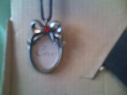 *Beautiful* July Birth Stone Photo Frame & Matching Necklace