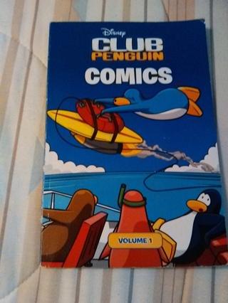 Club Penguin Comics -- Paperback Book -- Excellent Condition!!