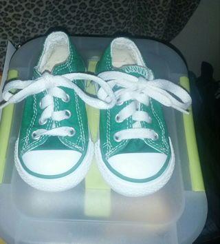 green CONVERSE toddler size 4