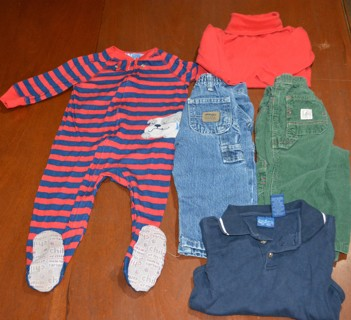 5 Pieces of Baby Boys Fall / Winter Clothes Size 18 Months Carters Child of Mine & More Gently Used!