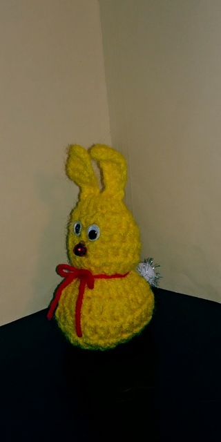 Crochet Bunny Rabbit (B-7599) Brt.Yellow /Red trim