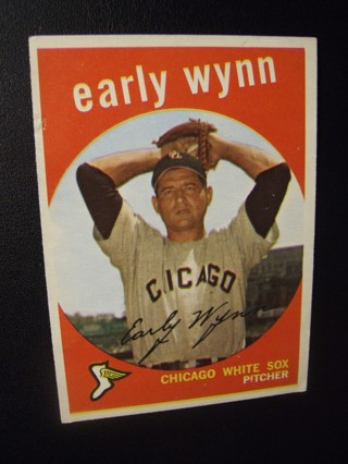 1959 - TOPPS EXMT - NRMT BASEBALL CARD HI NO. 260 - EARLY WYNN - WHITE SOX