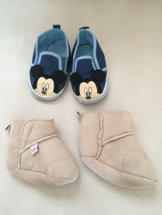 2 pairs of infants shoes