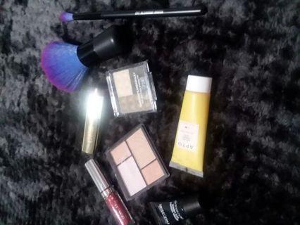 Large make up lotHIGHEND