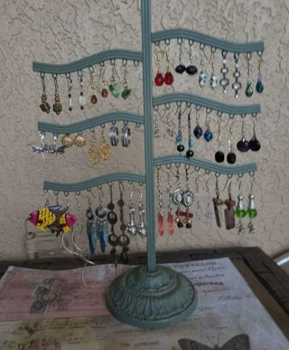 ❤️28 pairs pre owned pierced earrings❤️ stand NOT included