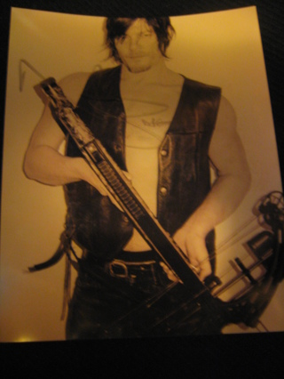 NORMAN REEDUS Signed/Autographed DARYL DIXON - THE WALKING DEAD 8x10 Photo
