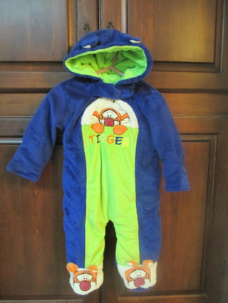 040813410 Free: Disney Tigger baby snowsuit, size 6-9 months - Baby Clothes ...