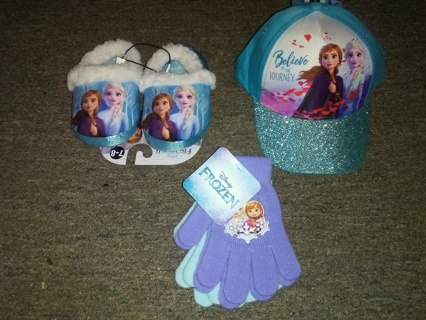 Disney FROZEN Gloves, Hat and Slippers