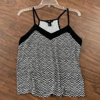 Women's H&M tank top - soft! Like new