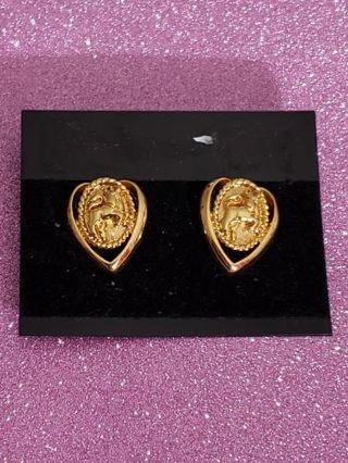Vtg Goldtone Heart Bull Earring