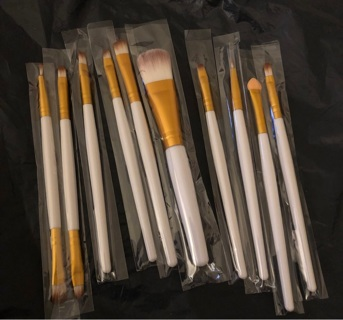 """Brand New: 10 Pc White & Gold 5""""- 6"""" Makeup Brush Set. Individual wrappings"""