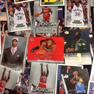 6- NBA COLLECTORS CARDS RANDOM
