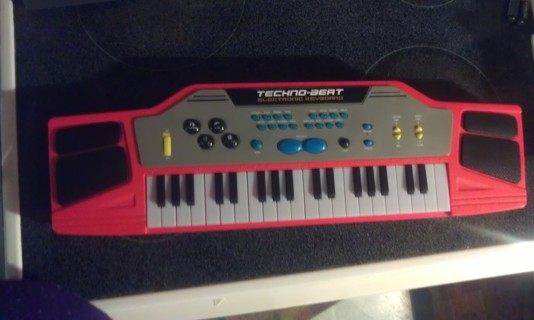 Free Techno Beat Electric Keyboard Other Toys Hobbies Listia