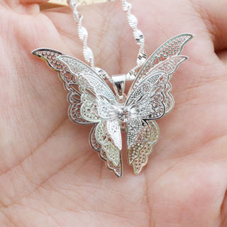 Women Lady Silver Plated Hollow Lovely Butterfly Necklace Pendant Jewelry