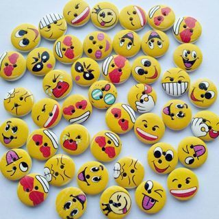 [GIN FOR FREE SHIPPING] 50PCs Cute Smile Face Wood Button Sewing