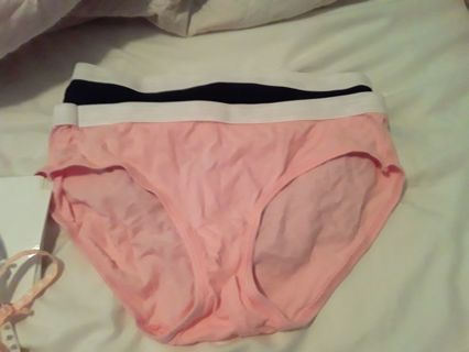 Never worn size 6 womans
