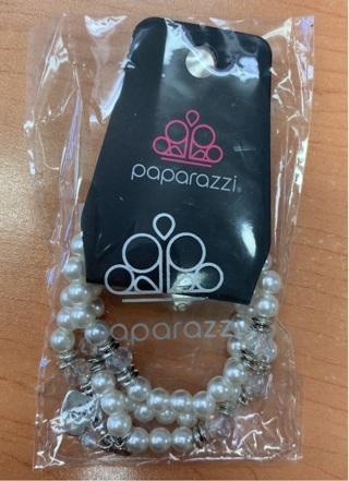 Paparazzi Mom Wow White Bracelet