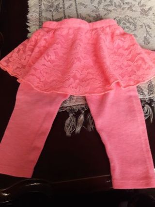Cute Coral legging pants W/ tutu skirt attached ( 3-6 months )
