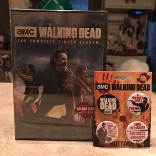 The walking dead the 8th season on dvd still sealed with TWD pins/buttons