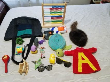 TOT BAG AND EXCELLENT TOYS LOT