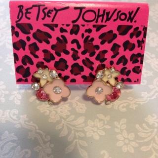 Betsey Johnson Pink Flowers Earrings