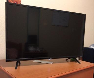 Roku 32' smart tv
