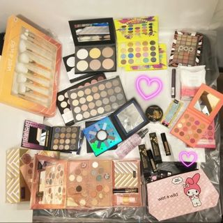 ‼Price drop ❤ Huge Makeup Lot! Brand New, with many many palettes! FREE SHIPPING ❤