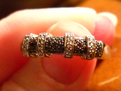 New Genuine BLACK DIAMOND Accented SS Ring Size 7