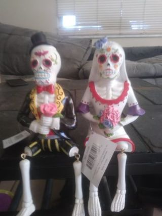 New.husband and wife Halloween skelwtons dcor