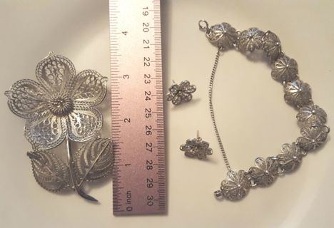 Estate Find Flower Set 40.37 Grams Mexican Silver 4 Piece Set