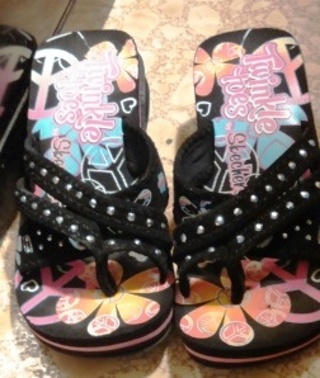 Size Small Twinkle Toes Shoes by Skechers