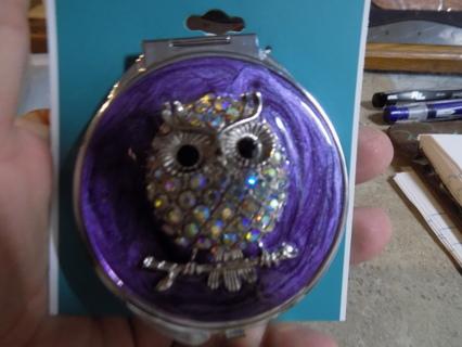 NIP Beautiful Rhinestone Covered owl compact mirror
