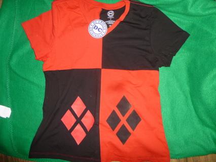 NWT Juniors XXl Harley Quinn Shirt