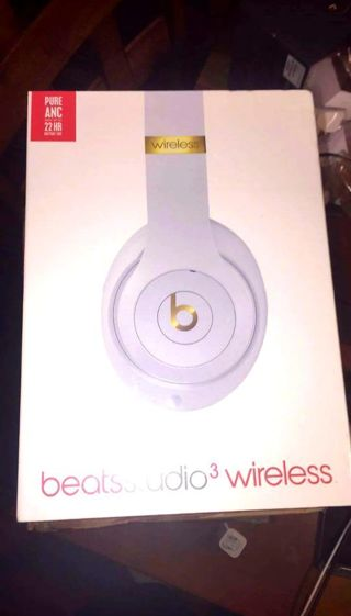 Beats Studio 3 Wireless White & Gold Headphones Brand New Factory Sealed, Made By Dr Dre,