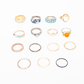 Mixed Lot of 15 Costume Jewelry Rings 44g
