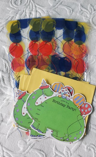 Birthday Party Invitations and Gift Bags NEW