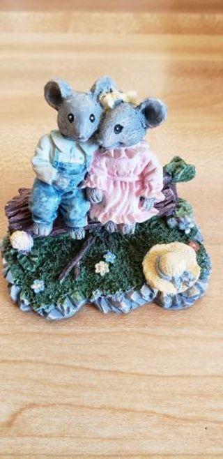 ♡ Cute mouse couple sitting on log figurine ♡