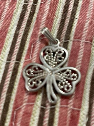 Three leaf clover pendant~