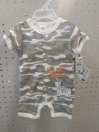 NWT! C J P Baby Boys Onesie Size: 6-9mths 60% Cotton 40% polyester